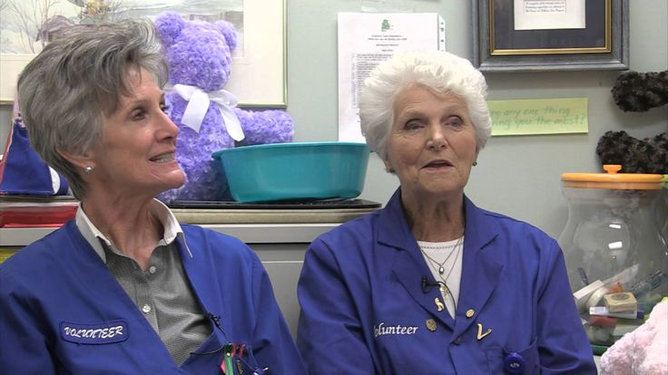 A Teddy Bear Project Southlake volunteers Volunteers Beth and Dinie go the extra mile for patients in Southlake's Palliative Care unit, bringing them comfort and hope with homemade teddy bears.