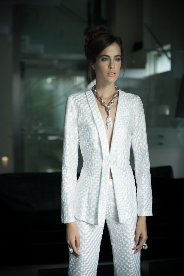 MURADIANI: Liz Martinez 2013 Collection...Wow beautiful silhouette. Add embellishment for that ultimate bridal look. Work with your seamstress to achieve this look for that special day.