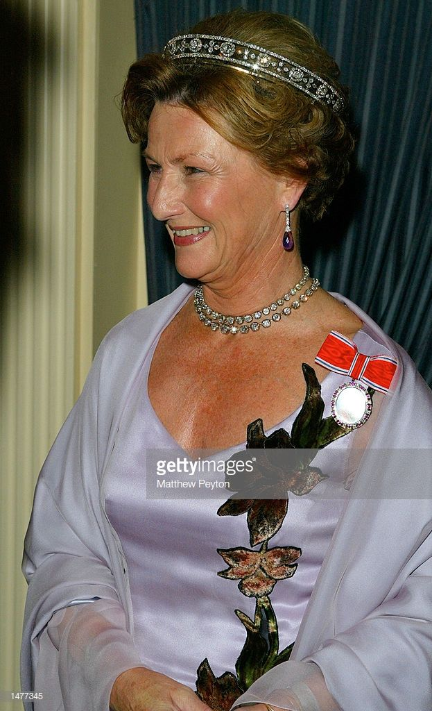 Queen Sonja Of Norway Attends The American Scandinavian Foundation Gowns Dresses Fashion American
