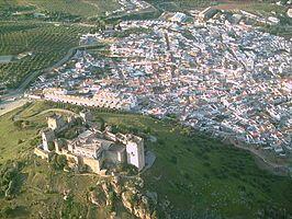 En 1090 los almorávides realizan un tercer desembarco, destituyen al rey de Granada, vencen a al-Mamun, gobernador de Córdoba, y tras la batalla de Almodóvar del Río, entran en Sevilla enviando al exilio a su rey al-Mutamid.