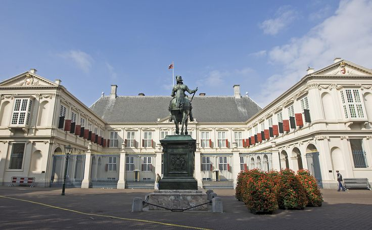 Paleis Noordeinde in Den Haag was het werkpaleis van koningin Beatrix en nu van koning Willem-Alexander.