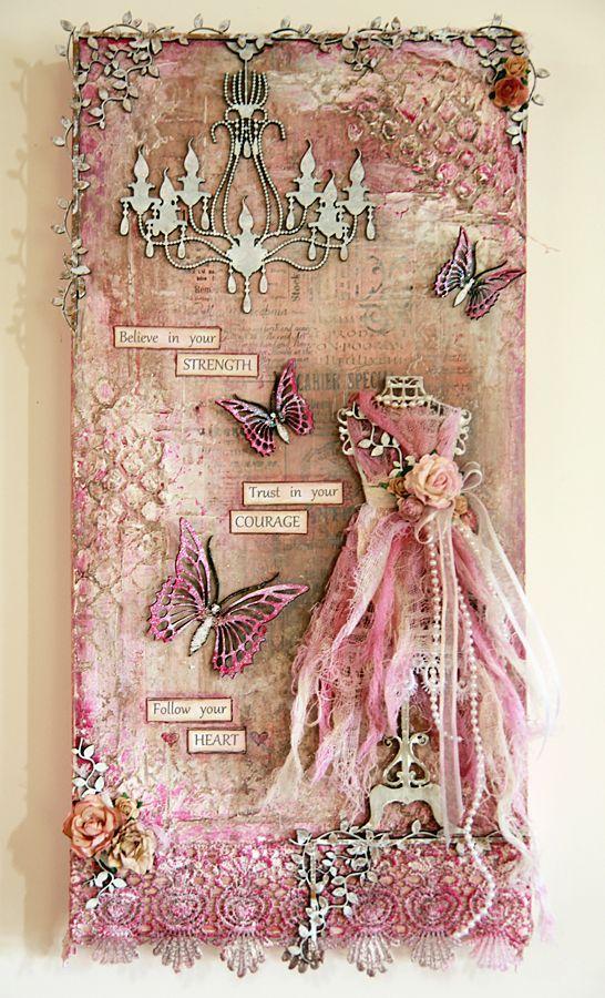 Scrapbookg tag. Vestido rosa y mariposas.