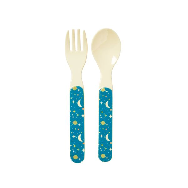So sweet and practical RICE melamine spoon and fork with the sweetest universe print for the youngest. Check out our entire line of kids tableware that will mat
