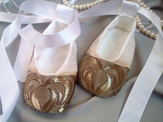 Zapatos de bebé de oro marfil zapatos de chica de bebé oro