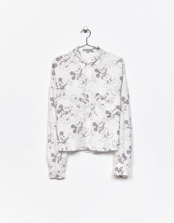 Overhemd met Mickeyprint all-over. Ontdek dit en nog véel meer kledingstukken in Bershka met elke week nieuwe producten.
