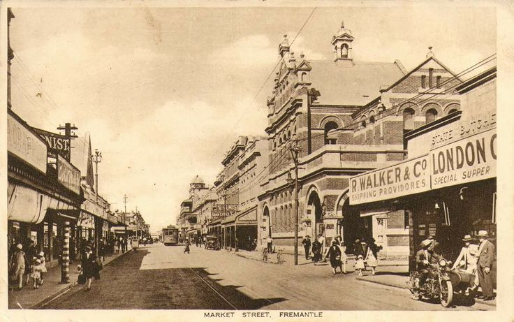 Fremantle 1929. Post office at right.
