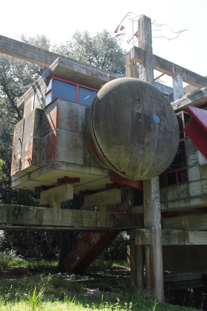 Just outside his native city of Rome in the historic town of Fregene, Italian photographer and digital designer Oliver Astrologo sought out a hidden architectural relic. in the late 1960s, architect Giuseppe Perugini built 'casa sperimentale' (experimental house) on a wooded plot near the coast.