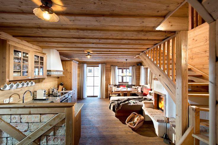 Döşemelerimizi sizin projelerinize göre çevre dostu ve geleneksel zanaat yöntemleri kullanarak özel tasarlıyoruz. Tasarılarımızı duvarlar, tavanlar, merdivenler ve mobilyalar ile uyumlu bir şekilde geliştiriyoruz ve üretiyoruz. Uygulama hakkında detaylı bilgi almak için: 0 (212) 244 99 60 #thenaturel #ahşapuygulama #ahşapproje #woodproject #wood #ahşap #termalmodifikasyon #proje #doğal #naturel #thermo #thermowood #dayanıklı #ahşapdöşeme #ahşapduvarkaplama #ahşapiçcephe #ahşapdışcephe