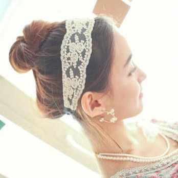 Classic Vintage Lace Headband Item Type: Headwear Pattern Type: Floral Department Name: Adult Type: Headbands Style: Fashion Gender: Women Material: Polyester,Spandex color: beige/beige black wide: 6c