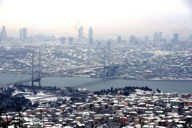 TÜİK verilerinden derlediği bilgiye göre, yabancıların Türkiye'den satın aldığı konut adedi 2015 yılında, bir önceki yıla kıyasla yüzde 20,4 artarak 22 bin 830'a çıktı.
