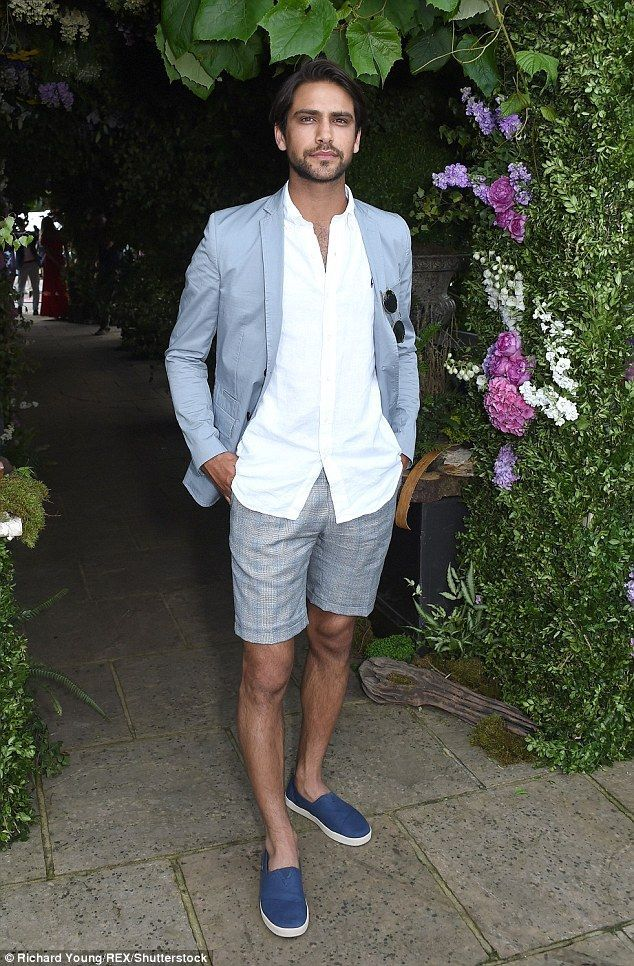 Stylish Skins Actor Luke Pasqualino Also Joined In On The Fun Looking Suave In In 2020 Mens Beach Wedding Attire Beach Wedding Groom Attire Beach Wedding Men Outfit