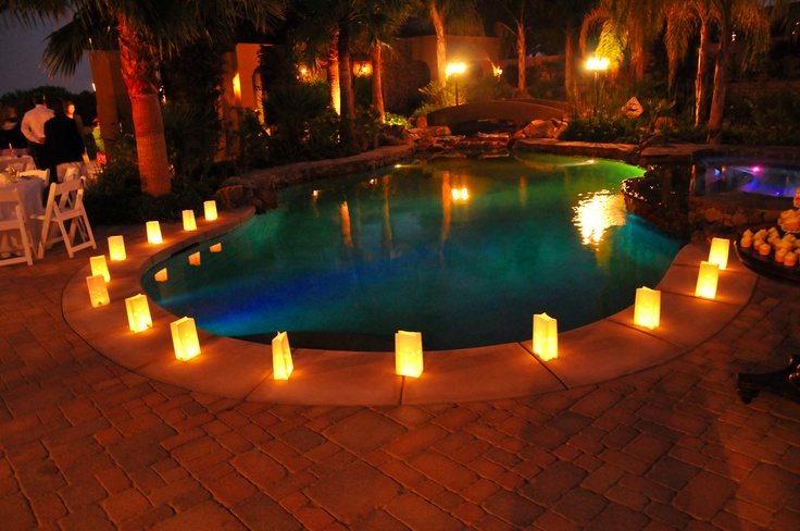 Paper bags & electric candles around pool: Candles Decor, Flameless Candles, Paper Bags, Wedding, Parties Ideas, Pools, Electric Candles