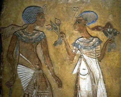 Google Image Result for http://www.egyptgiftshop.com/images/nefertiti_akhenaton.jpg
