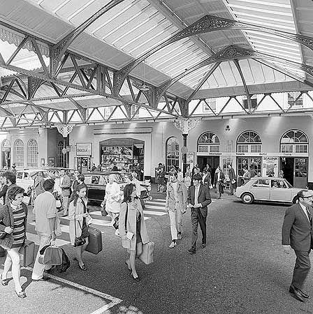Brighton Station, Brighton