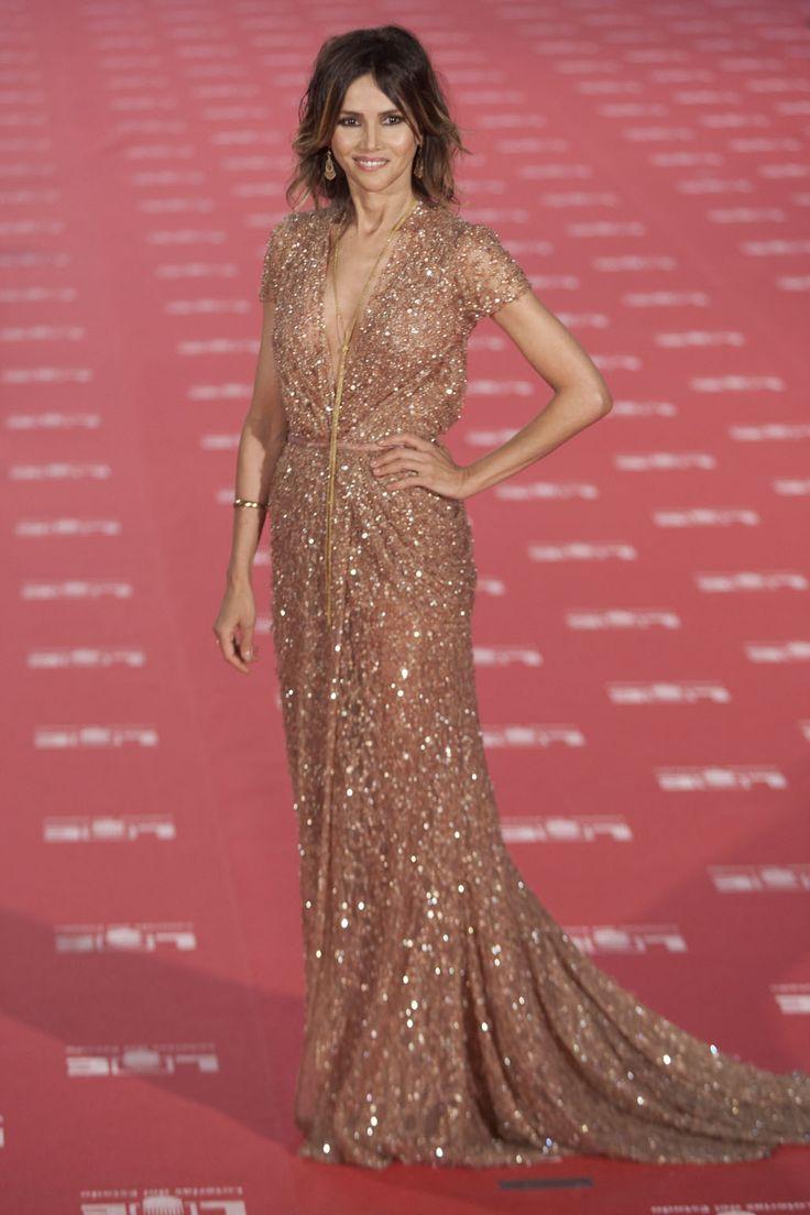 71 best Best Dresses Ever images on Pinterest | Burgundy rugs, Red ...