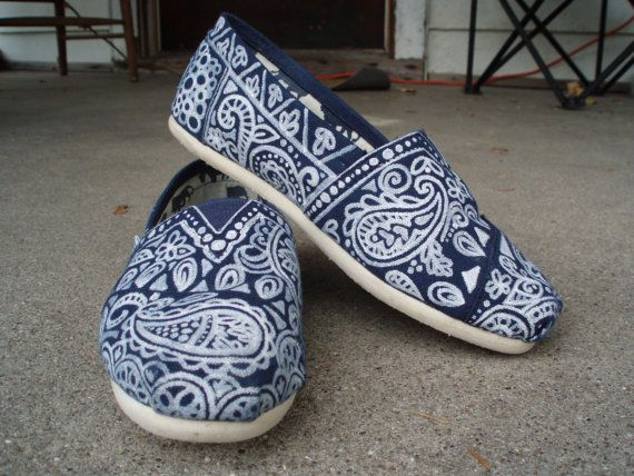 Hey, I found this really awesome Etsy listing at https://www.etsy.com/listing/90252852/handpainted-custom-toms-shoes-paisley