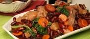 Feijoada Transmontana. É um prato consiste num guisado de feijão com carne, acompanhado com arroz. Tem origem no Norte de Portugal, e hoje é um dos pratos mais típicos da cozinha brasileira.  Em Portugal, cozinha-se com feijão branco no noroeste (Minho e Douro Litoral) ou feijão vermelho no nordeste (Trás-os-Montes), e geralmente inclui também outros vegetais (tomate, cenouras ou couve)  aos quais se juntam chouriço, morcela ou farinheira, actualmente tambem existe a variante de polvo e…