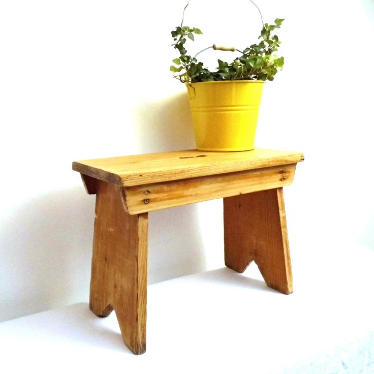 Vintage wood stepstool foot stool antique milking rustic for Small rustic wood coffee table