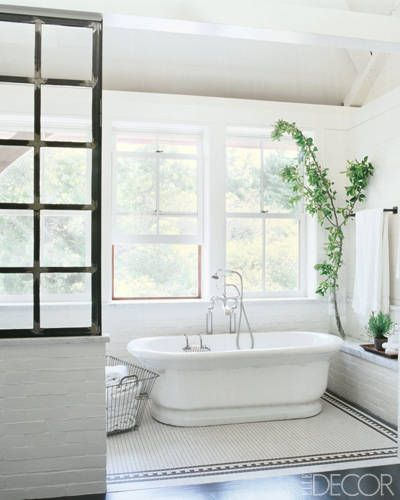 Master bathroom in the Martha's Vineyard home of actress Meg Ryan, which she decorated with Marsha Russell of Satinwood. | via Elle Decor