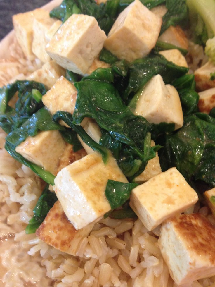 Red Thai coconut curry with tofu and spinach