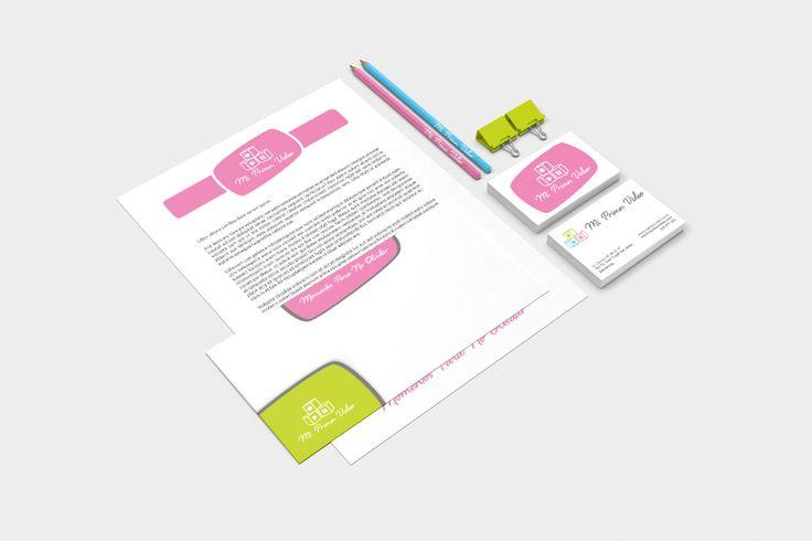 Además del logotipo de Mi Primer Video, también hemos creado y diseñado toda su papelería y tarjetería.