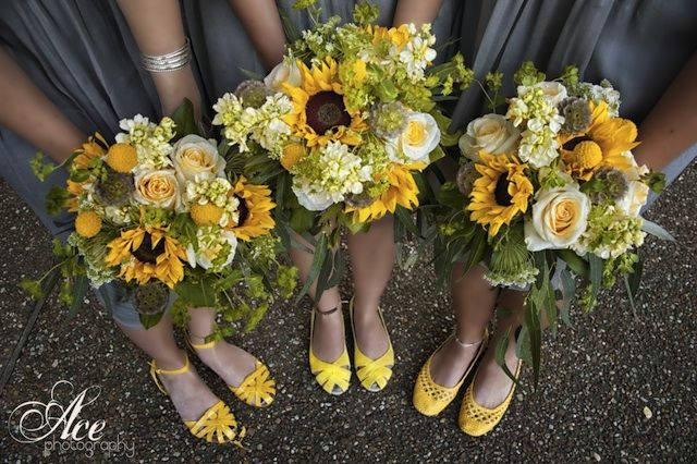 bouquet ideas for weddings 17 best ideas about sunflower wedding themes on 2028