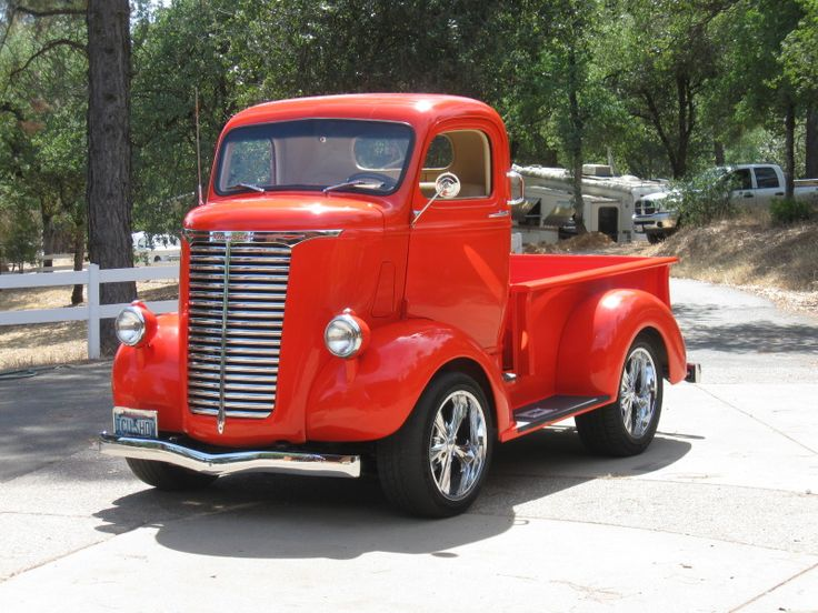 1939 Chevy ... and yet another cool (and cute) Cab Over Engine / COE truck :).