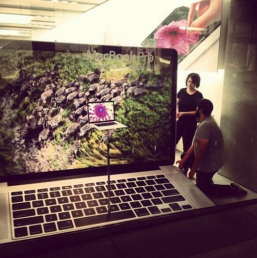 Giant Retina MacBook Pro window display goes up at Apple Store | 9to5Mac | Apple Intelligence