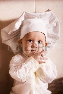 Мальчик в костюме фотографа