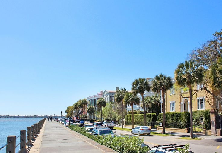 48 hours in Charleston - things to do - The Ashley and Cooper Rivers come together at the seawall known as The Battery, popular with visitors because of the antebellum homes along the stroll. Image: Lisa Mowry