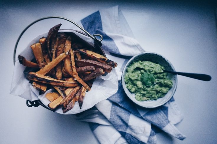 Sweet potato fries #sweetpotato #fries #healthytreat #vegan #guacamole #vegetarian #vegetarianblog