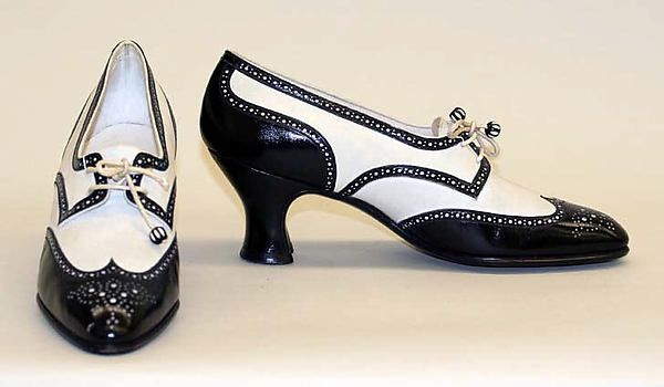Shoes, leather, silk, metal, British Early 1920s