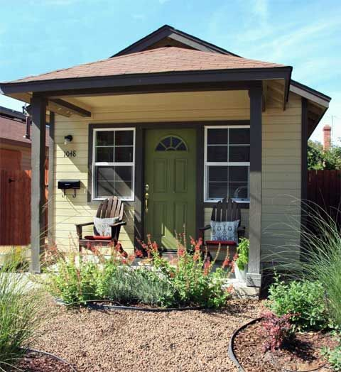 17 best ideas about cute small houses on pinterest small for Very small cottages