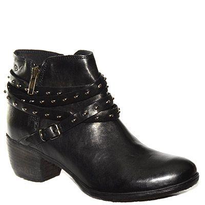 #Stivaletto corto #Khrio in pelle nera con cinturini e borchie http://www.tentazioneshop.it/scarpe-khrio/stivaletto-corto-24779-nero-khrio.html