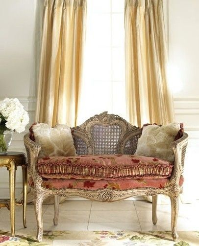 audreylovesparis:  French settee
