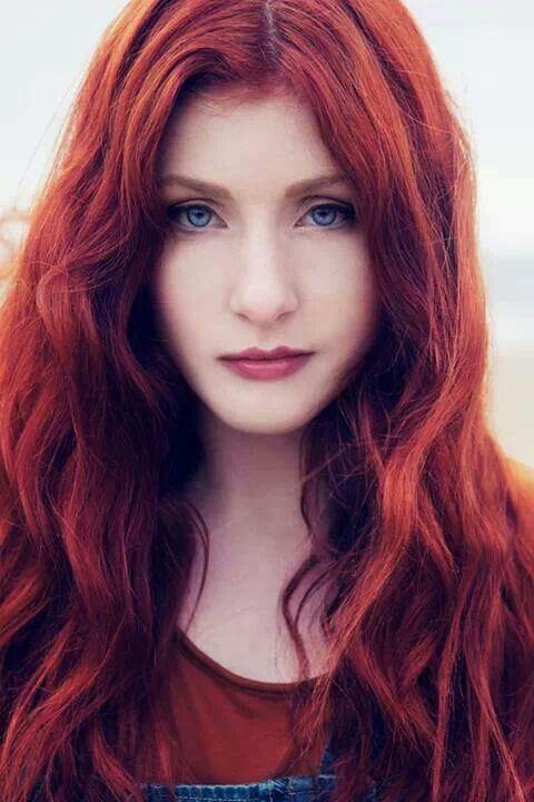 Evanna Lynch Natural Hair Color