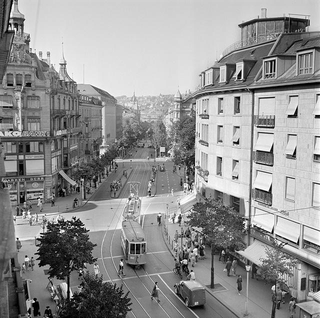 Bahnhofstre In Zurich Around 1950 Uploaded By Hotel Wellenberg