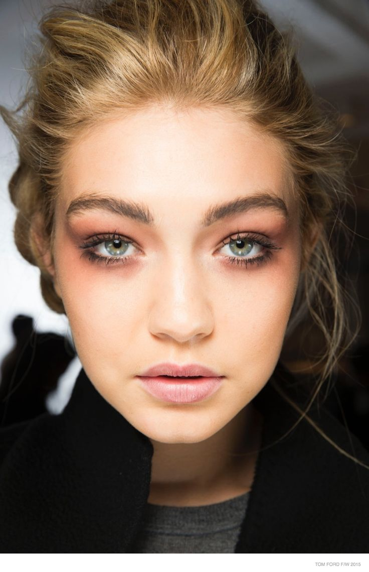tom-ford-beauty-makeup-fall-2015-show01