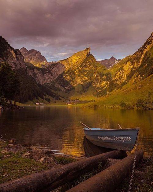 #Repost @yohguurt  One of the most beautyfull places in switzerland .. #fujifilmxt2 #fujifilmx_ch #visitswitzerland #travel #seealpsee #fujifilm #switzerland #nature #landscape #landscapephotography #loves_united_switzerland #xt2 via Fujifilm on Instagram - #photographer #photography #photo #instapic #instagram #photofreak #photolover #nikon #canon #leica #hasselblad #polaroid #shutterbug #camera #dslr #visualarts #inspiration #artistic #creative #creativity