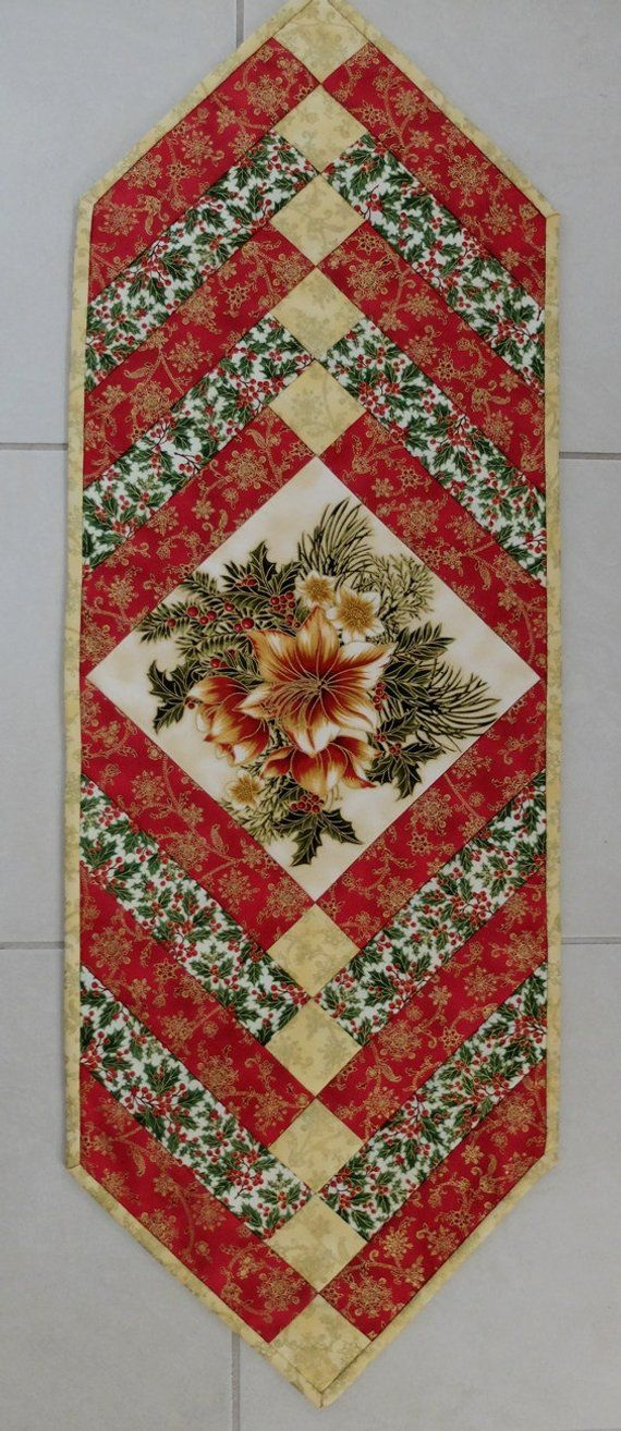 Christmas Patchwork Tablerunner Traditional Green Red And