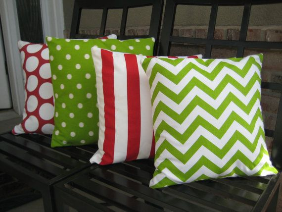 Want pillows like this. This will be my next sewing project attempt