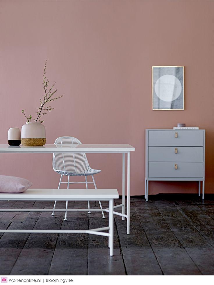 De nieuwe meubelcollectie van Bloomingville is uitstekend te combineren met de Bloomingville woonaccessoires dus ga je gang en mix and match!
