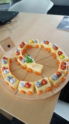 Apenas uma locomotiva para comer na festa de anive…