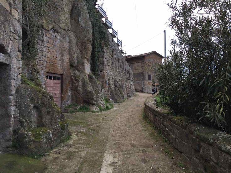 #Chia, un borgo sperduto più che perduto, nel cuore della Tuscia Viterbese, uno dei quei posti che fanno parte dI quell'Italia nascosta e da scoprire.
