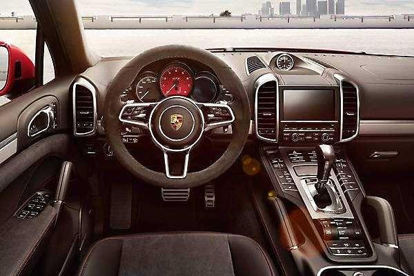 2018-2019 Porsche Cayenne GTS