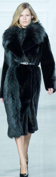 Модный мех Зима 2015-2016: шубы, дубленки, воротники, ушанки, жилетки, меховые платья, шарфы, меховые пальто, полушубки