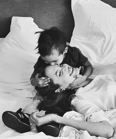 Angelina Jolie - Motherhood more important than vanity!