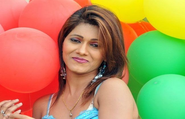 Telugu actress wanted in red sanders smuggling case