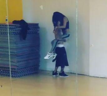 selena gomez new butt photos dance studio mar 11 pic | Justin Bieber Selena Gomez Dancing WATCH VIDEO | Gossip Cop