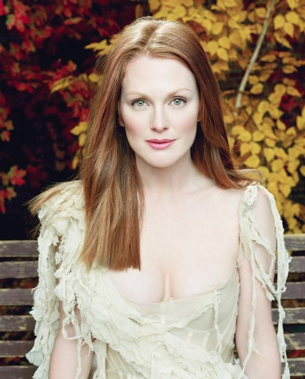 Julianne Moore  celebrity beauty | iconic beauty | red hair | redhead | beautiful skin | beautiful person | beauty icon | etherial